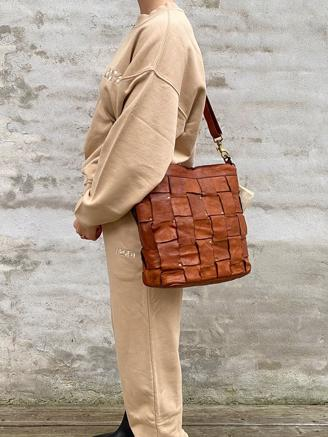 Braided Shoulderbag 2541, Cognac